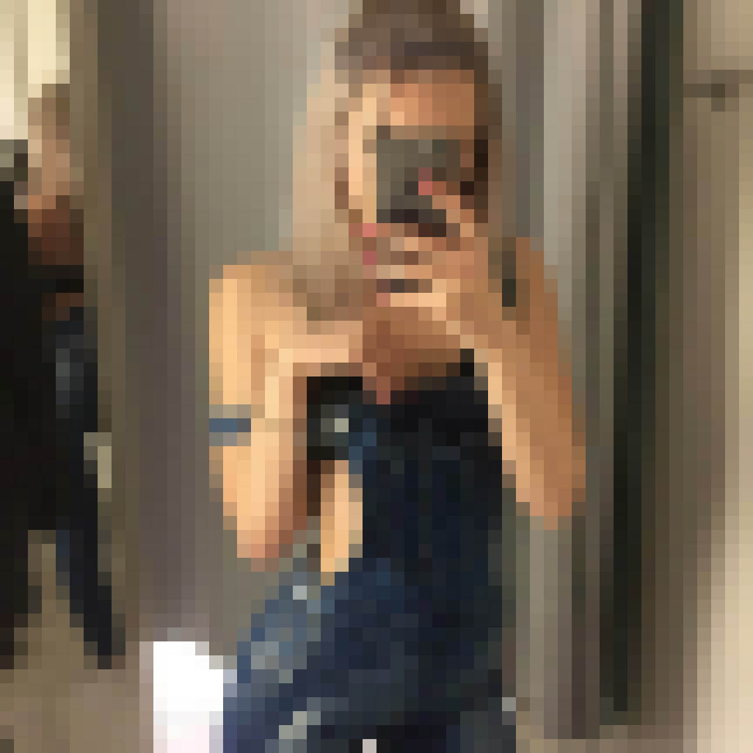 Карин продам девственность в Швеции